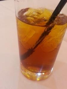 """Air """"Ice Lemon Tea dari Africa""""."""