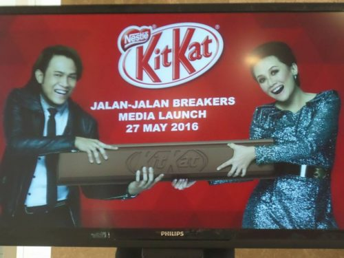 "Akim & Stacy Menempa ""Brek"" Baharu Dengan KitKat"