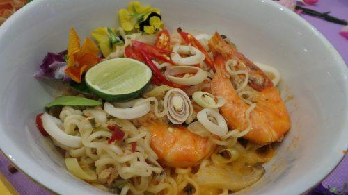 Royale Thai Tom Yam Seafood Putih Terbaru Dari MAGGI®